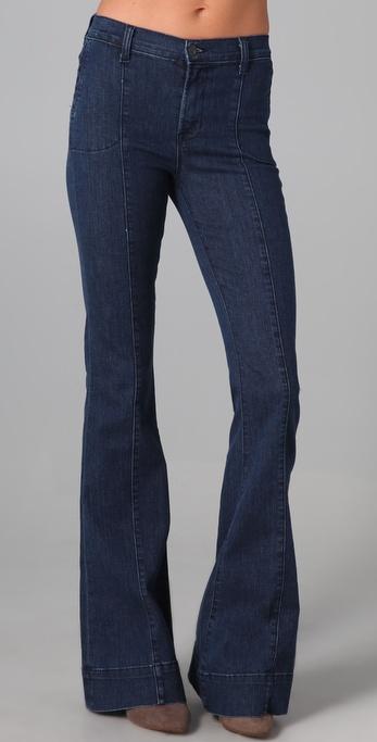 高腰宽腿牛仔裤