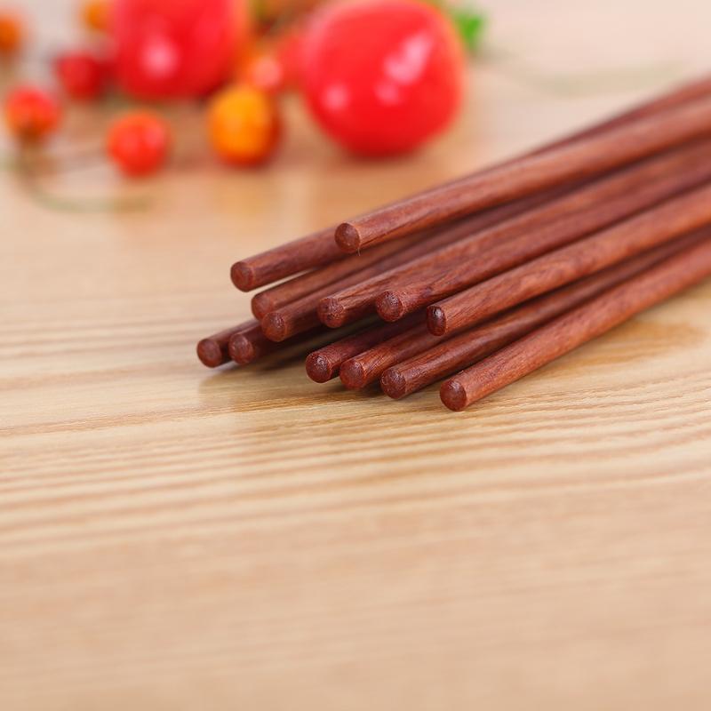餐具 筷子  【优 质木材】:红檀木较多来自于南美洲,欧洲,缅甸等地.