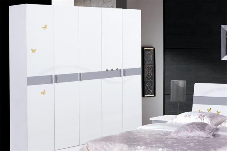北欧风格灰色衣柜卧室图片