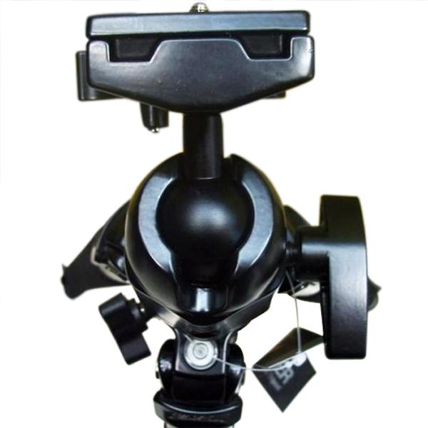 独特的升降管微调结构,可以视相机的重量来调整其升缩; 3.