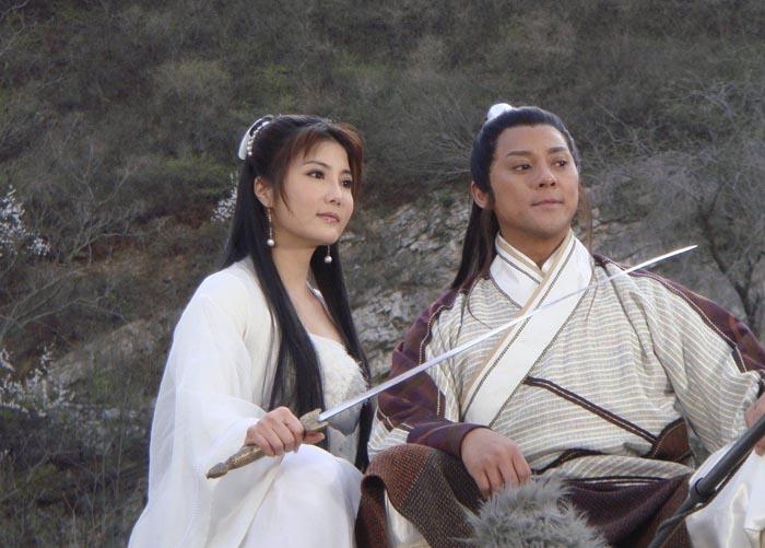 近年来也频频参加电视剧集的演出,如《大醉侠》,《一江春水》等.