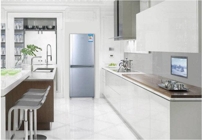 欧式厨房带冰箱效果图