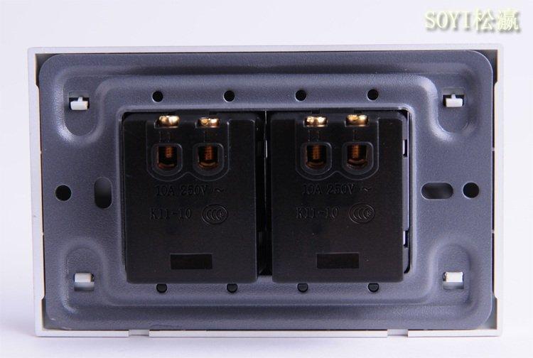 6,安装接线采用螺丝旋进挤压固定,超大接线孔轻松接入4平方线.