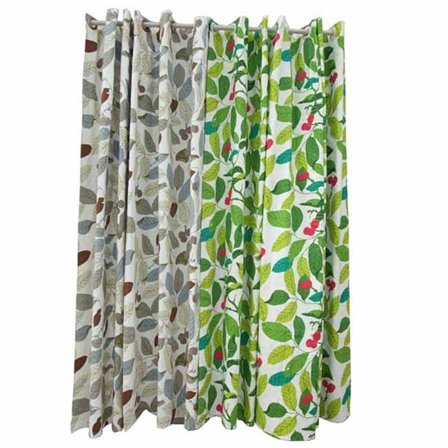 欧式浅咖色壁纸配墨绿色窗帘