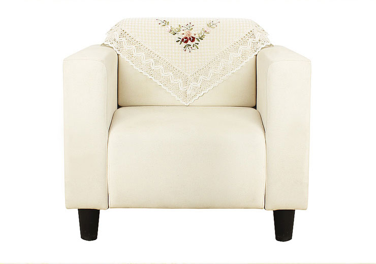 极具田园风格的沙发罩布,经典布局,大方得体.